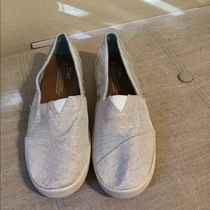 TOMS like new slides slip in flats boat shoes 7